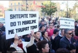 """Rama, mesazh protestuesve të """"Astirit"""": ku po gaboni…"""