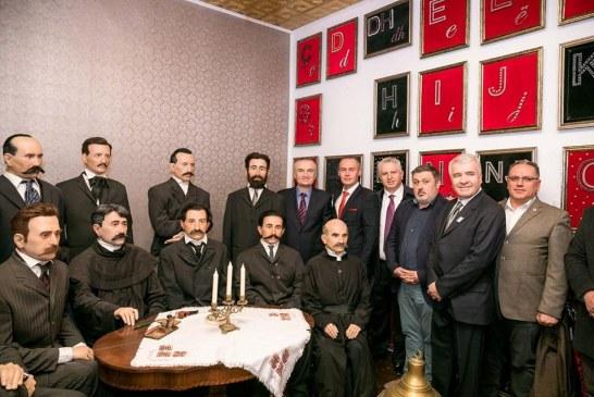 Meta, vizitë në ish-Manastirin shqiptar të maqedonizuar: pa alfabetin, nuk do kishim as Pavarësi