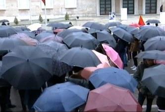 Shiu tkurr protestën studentore