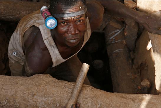 """FENOMENI/ """"Ethet e arit"""": Si po përfitojnë Emiratet e Bashkuara nga pasuria e paimagjinueshme në Afrikë"""