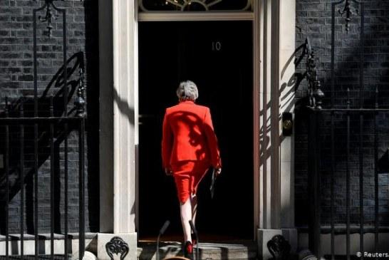 REZYME/ Dorëheqja e Theresa May, ç'ndodh më pas?
