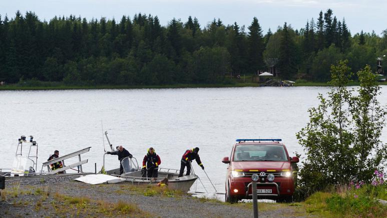 Qejfi kthehet në zi  nëntë parashutistë humbin jetën në Suedi