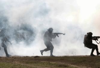 """""""Tre shpatat"""" për Rusinë: Ukraina trajnon veten për luftë"""