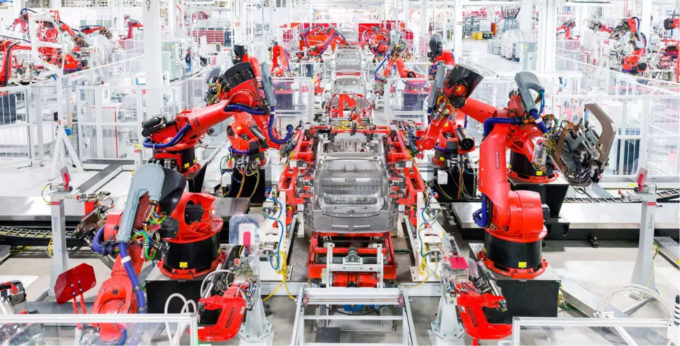 Tesla míří k novému rekordu