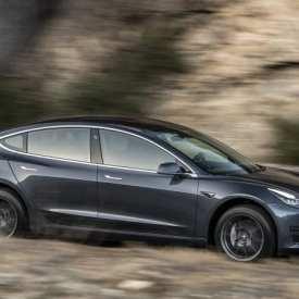 Le modèle Tesla 3 de 35 000 $ récemment annoncé vient de devenir plus difficile à commander