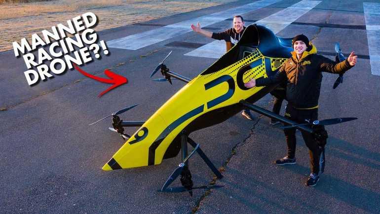 Первый в мире пилотируемый пилотаж для пилотажных гонок действительно впечатляет