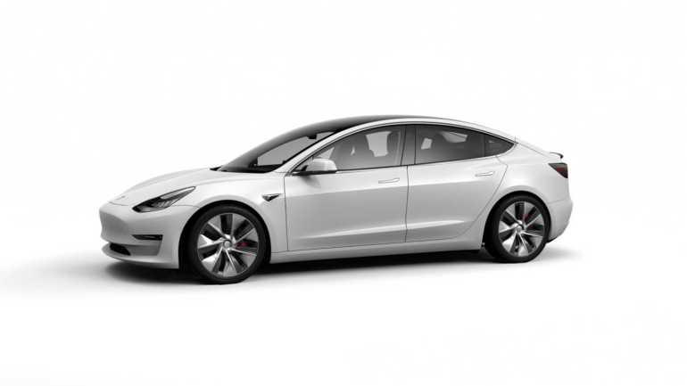 Panasonic поставил 18% аккумуляторов MIC Tesla Model 3 с начала года