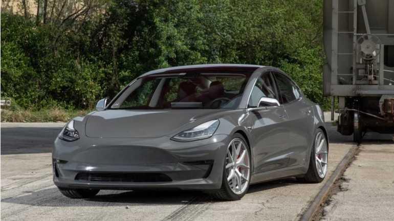 Проверьте это 'Nardo Grey' Tesla Model 3