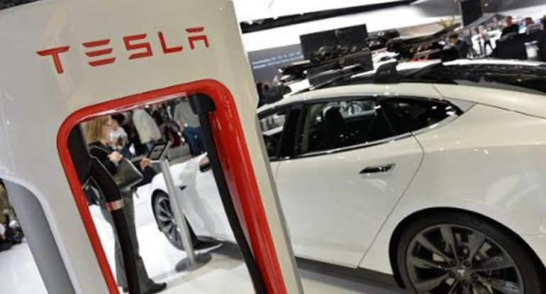 Знакомый противник Tesla сделал ставку на акции компании на сумму 530 миллионов долларов.