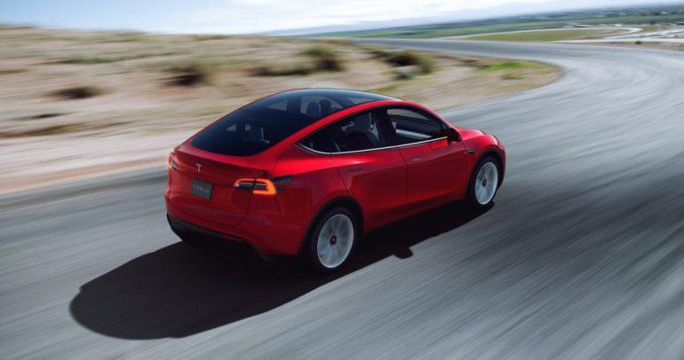 Владельцы Tesla говорят, что их VIN-номера исчезают по мере приближения поставок, второй квартал подходит к концу