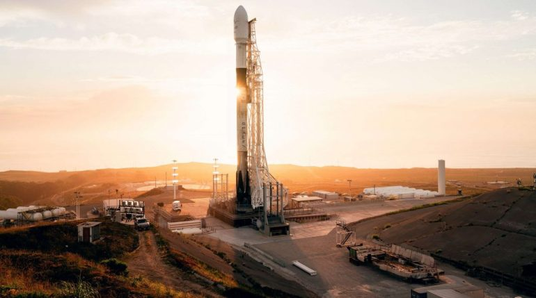 SpaceX планирует первый запуск Starlink на западном побережье после тихого июля