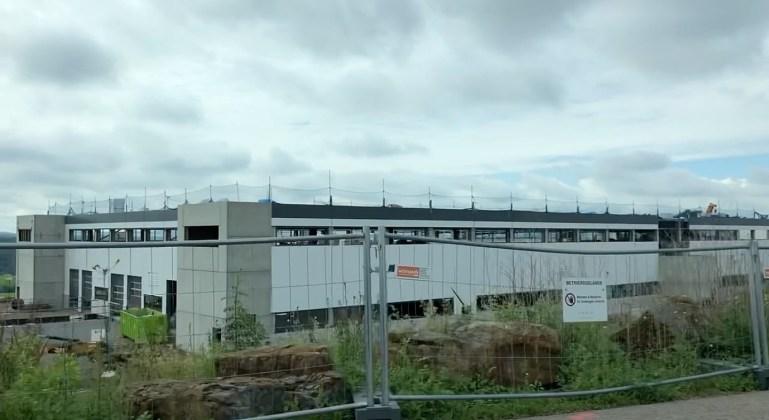 Расширение завода Tesla Grohmann в Германии близится к завершению
