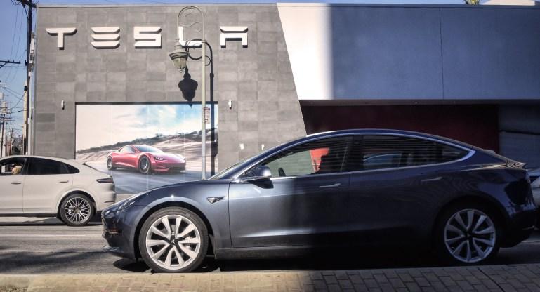 Tesla поставит более 201 тыс. Автомобилей во втором квартале 2021 года, что соответствует оценкам Уолл-стрит