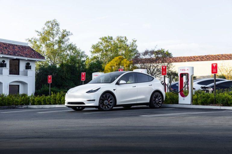 Электромобили в Норвегии продаются больше, чем автомобили с ДВС, прогнозируется снижение продаж двигателей внутреннего сгорания