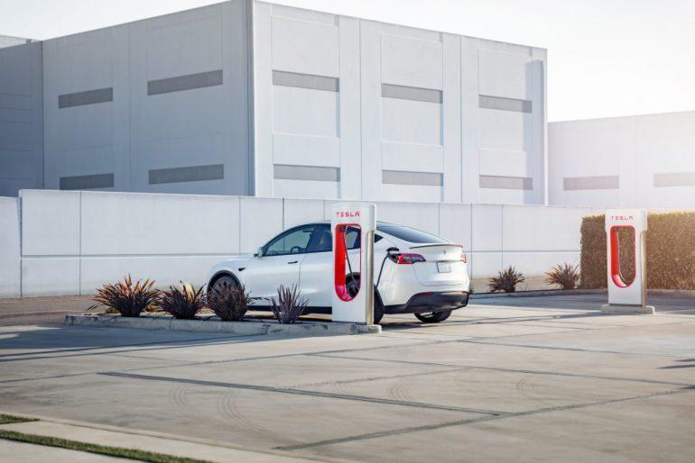 Оскорбление Байдена в отношении Tesla показывает, что американская революция электромобилей движет силой влияния, а не инноваций