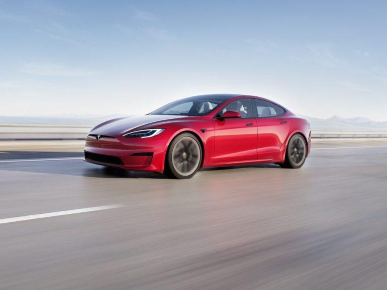 Tesla сообщает владельцам о сроках поставки Model S