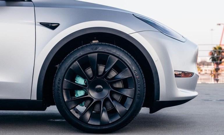 Tesla (TSLA) получает рейтинг «Покупать» и более высокую целевую цену от Jefferies.