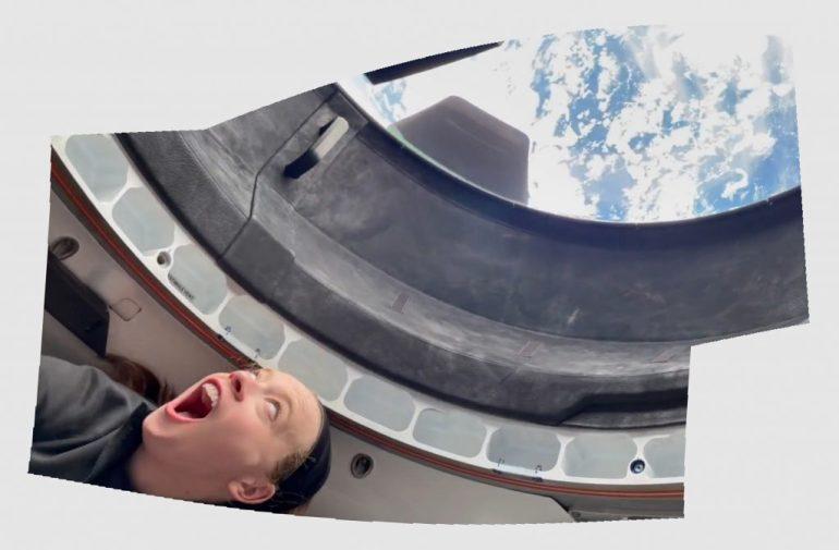 """Астронавт SpaceX Inspiration4 поделился своим взглядом из-за кадра на """"первый свет"""" самого большого космического окна"""