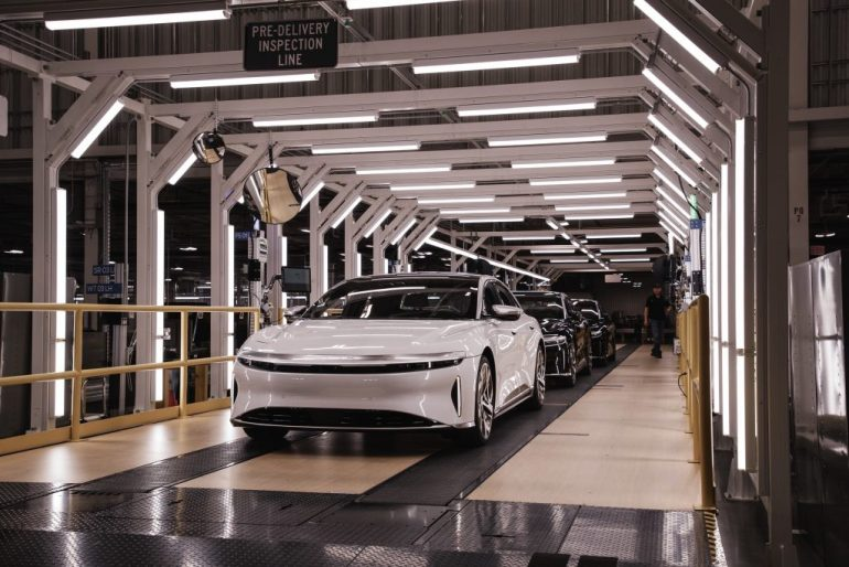 Lucid начинает производство седана Air, первые поставки ожидаются в октябре