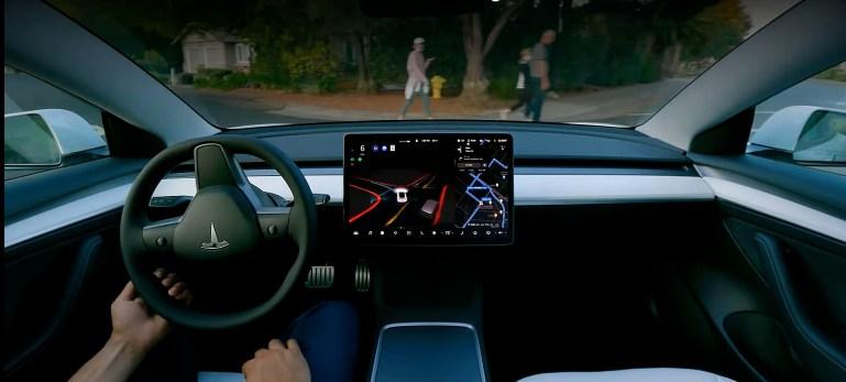Илон Маск из Tesla сообщил о дате выхода FSD Beta 10