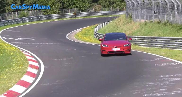 Tesla Model S Plaid с «Track Pack» возвращается на Нюрбургринг, чтобы проверить свои возможности