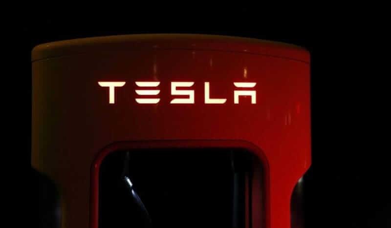 Teslan superlatuuri