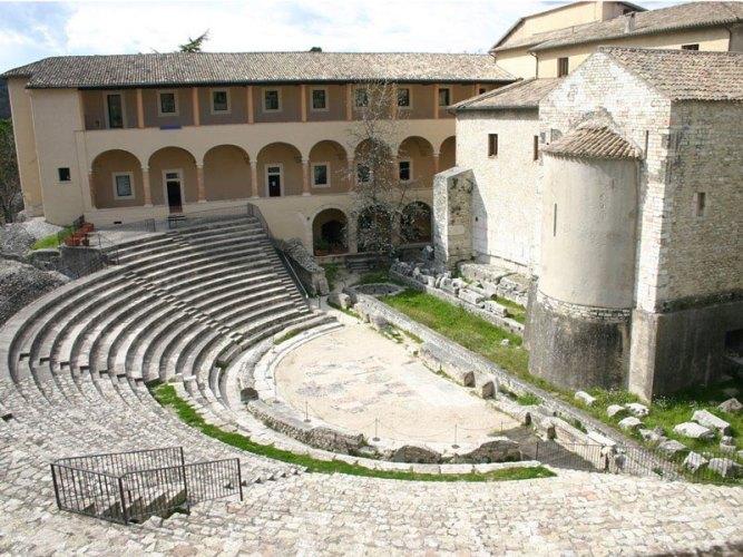 teatro_romano_spoleto1-copertina