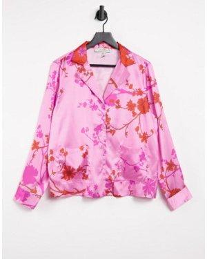 Liquorish nightwear blossom print pyjama top in pink and red-Multi