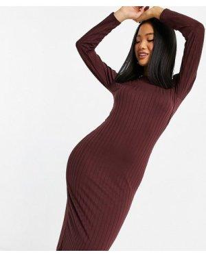 Miss Selfridge Petite midi dress in burgundy-Beige