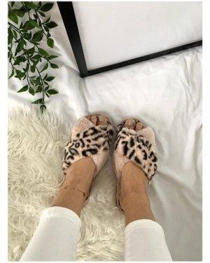 Pink Leopard-Print Faux-Fur Crossover Slippers size: L, colour: Pink L