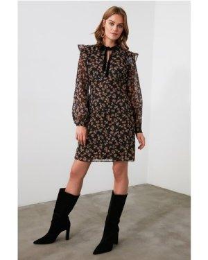 Trendyol Black Patterned Collar Detailed Dress size: 8 UK, colour: Bla