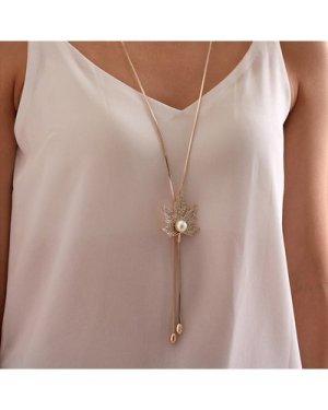 1pc Rhinestone & Faux Pearl Decor Maple Leaf Charm Y Lariat Necklace