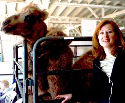 Tess w camels