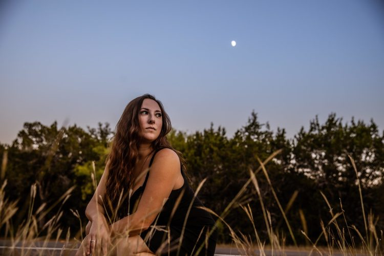About the Band + Country Music + Singer + Songwriter - Tessy Lou