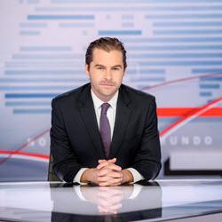 """Julio Vaqueiro Anchor """"Noticias Telemundo Fin de Semana"""""""