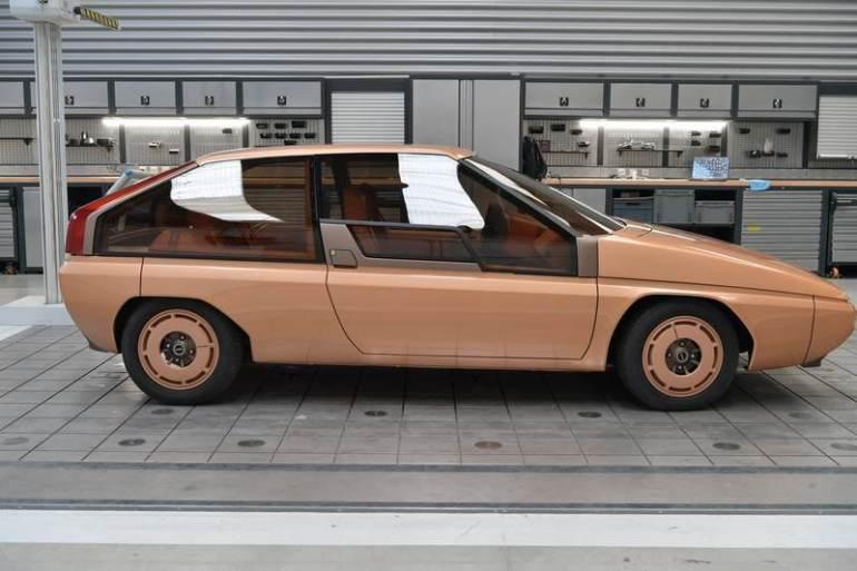 Restauro Mazda MX-81