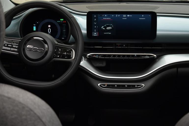 Infotainment e volante Fiat