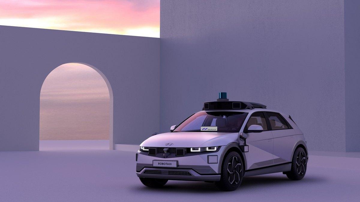 Il taxi a guida autonoma con IONIQ 5