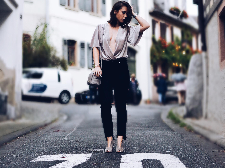 allthatchoices fashionblog mainz samt velvet body ausgefranste jeans cluse bob 1.JPG