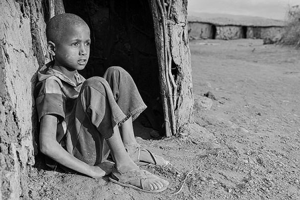 Masai-Kind-Lake-Amboseli-Fotoreise-Fotosafari_Kenia-SW-DSC4014