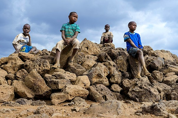 Masai-Kinder-Lake-Amboseli-Fotoreise-Fotosafari_Kenia-_DSC3930