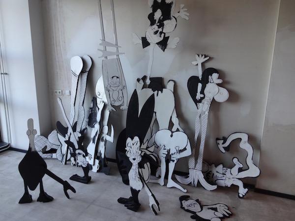 Collage, strip, cartoon, streetart, hoer, snol, vogel, been, sexy, lingerie, robert, pennekamp installatie, Robert Pennekamp,