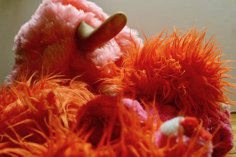 lange neus, oranje baal, oranjebaal, pluche, oranje, stof, roze, badstof, oranje, monster, karel, appel, artzuid, amsterdam, site specific art action, site, specific, art, action, robert, pennekamp, varkensneus, pluizen monster, pluizenbaal