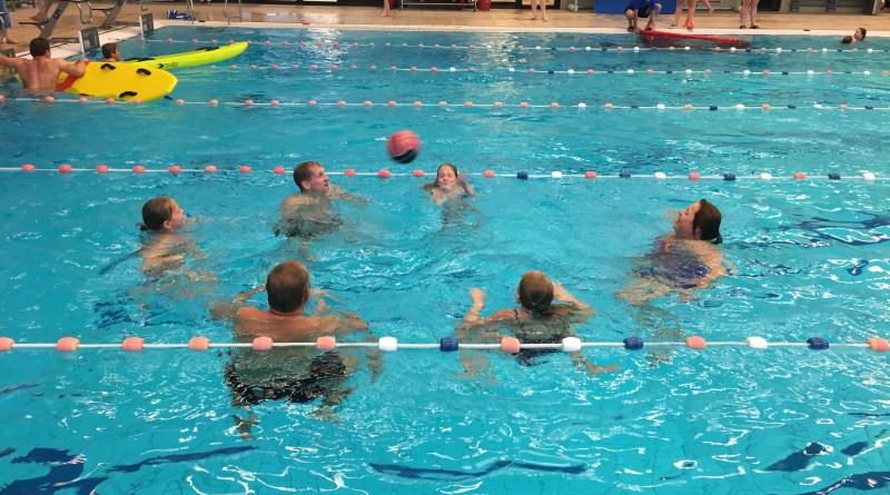 Ouder kind zwemmen WRB