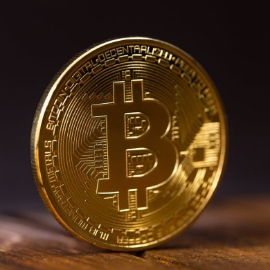 Bitcoin's Price Surges Past $8,900