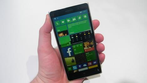 Microsoft's new browser arrives for Windows 10 phones