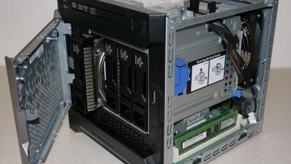 HP MicroServer Gen8 open inside