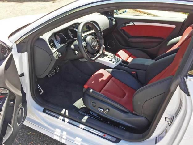 Audi-S5-Cpe-Int