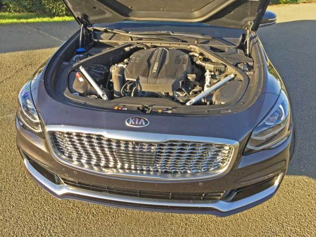 Kia-K900-Luxury-Eng