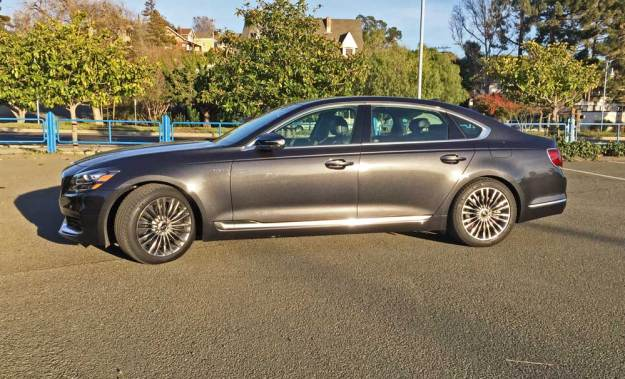 Kia-K900-Luxury-LSD